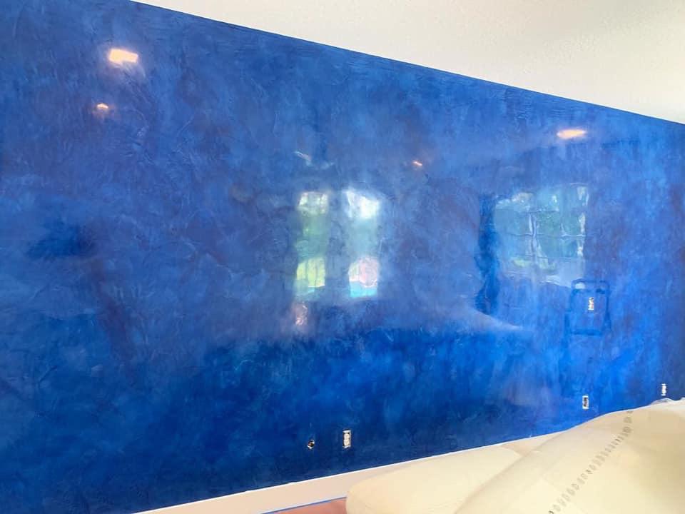 Venitian plaster - reflective blue accent wall